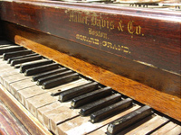 Old-Pianos
